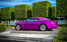 Cars wallpapers Rolls-Royce Dawn in Fuxia - 2017