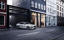 Cars wallpapers Volvo S60 T6 Momentum - 2018