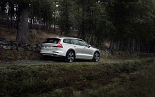 Cars wallpapers Volvo V60 T5 Cross Country - 2018